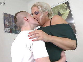 Mature MOM fucked overwrought young people