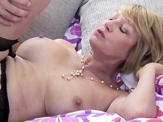 Mature slut mom suck and fuck young man