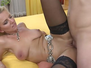 Taboo diggings sex with sexy mom and young son