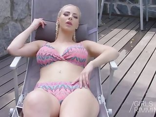 GIRLSRIMMING - Nathaly Fresh Pool Rubdown