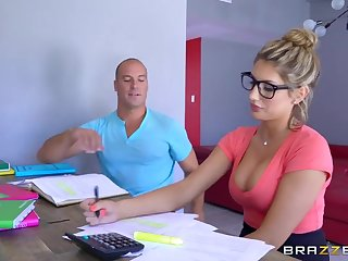 Brazzers - Sexy yo-yo August Ames needs a study break